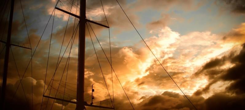 mast-983904_1280