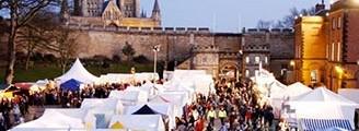 shopping-stalls-christmas-market